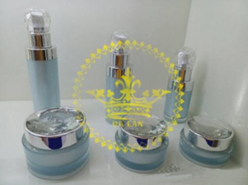 Cung cấp chai hũ acrylic cao cấp giá sỉ - Bán chai lọ mỹ phẩm tại TP.HCM
