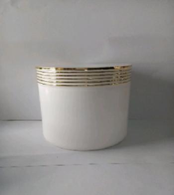 Cung cấp bộ hũ kem body viền vàng giá sỉ - Bán chai lọ mỹ phẩm tại TP.HCM