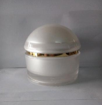 Cung cấp hũ đựng kem body trắng viền vàng giá sỉ - Bán chai lọ mỹ phẩm tại TP.HCM